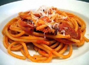 Bucatini alla Amatriciana (o pasta)