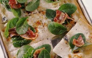 Pizza con Stracchino e Pancetta