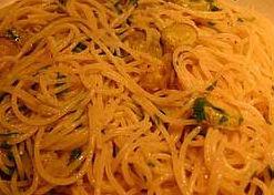 Spaghetti ricotta e zucchine