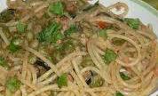 Spaghetti con piselli e tonno