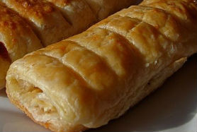 Pasta sfoglia con salsiccia e verza