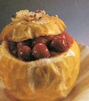 Mele al forno con ciliegie e lambrusco